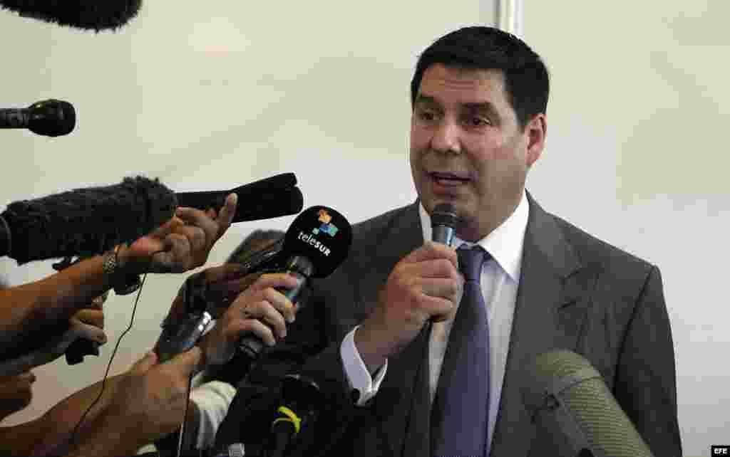 Marcelo Cleure, presidente de la compañía estadounidense Spring, habla hoy, lunes 02 de noviembre de 2015, durante una firma de acuerdos en la Feria Internacional de La Habana (FIHAV 2015) en Cuba.