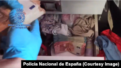 Policía Nacional de España incauta efectivo de una organización criminal dirigida por un hombre cubano nacionalizado español.
