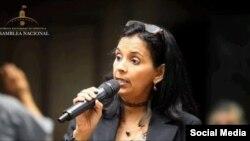 """""""Es una triangulación"""": diputada venezolana sobre envío de crudo iraní a Cuba"""