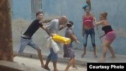 Agresiones a dos activistas y a una menor (Foto cortesía de la familia Miranda Leyva en Holguín).