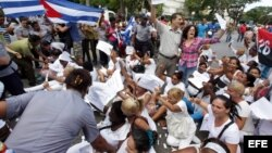 Disidentes cubanos reclaman a la Iglesia Católica un rol más activo como mediadora entre la sociedad y el Estado.