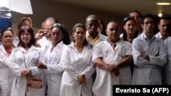 Cubanos en el programa Más Médicos en Brasilia. EVARISTO SA / AFP