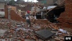 Damnificados de Sandy se quejan de escasez de materiales para reconstruir casas