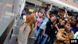 López comparece en la audiencia preliminar de su caso en un Tribunal de Caracas