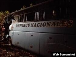 Ombus accidentado en Jatibonico
