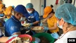 Migrantes venezolanos reciben ayuda en refugio de Cúcuta, en Colombia