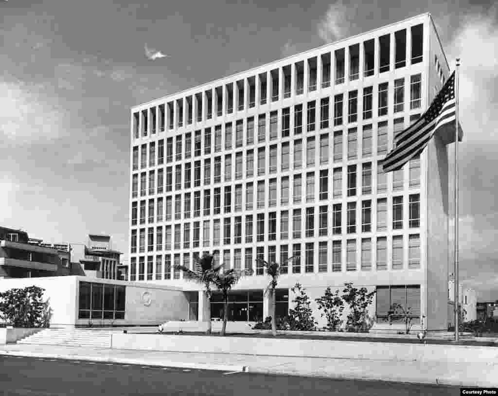 Imagen de la inauguración de la embajada en 1953.