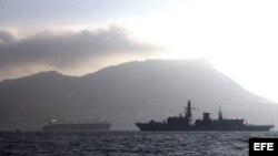 Bahía de Algeciras con el Peñón de Gibraltar de fondo. Foto de archivo