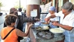Cubanos ponen en duda el entusiasmo del oficialismo por la reforma integral de salarios