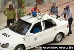 Acoso a las Damas de Blanco en La Habana (Foto: Archivo).