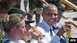 Comida y música alemana para Obama en Alemania.