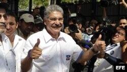 Norman Quijano, candidato de la opositora Alianza Republicana Nacionalista (ARENA).