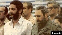 Maurice Bishop en un acto en La Habana