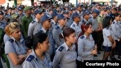 Oficiales y soldados de la PNR en Cuba.