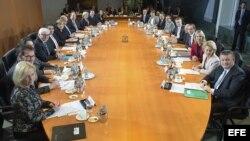 Primer Consejo de Ministros de la gran Coalición alemana.