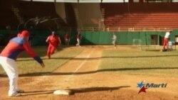 Juego de pelota al que asistirá Obama trae aires de cambio al deporte cubano
