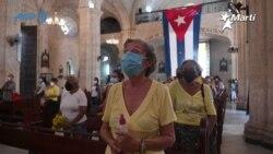 Los cubanos celebran el día de la virgen de la Caridad del Cobre, patrona nacional