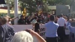 José Luis García Pérez (Antúnez) y opositores se manifiestan