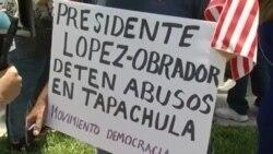 Realizan protesta en Miami frente al consulado mexicano