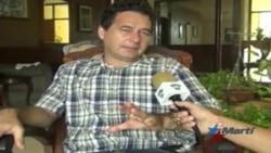 Reconocido escritor cubano obligado a pasar la noche en un calabozo