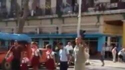 Paralizado el tráfico en La Habana por familia desalojada