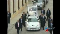 Papa Francisco es recibido a su llegada a la Catedral de La Habana