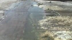 Aguas albañales corren por las calles de Manzanillo