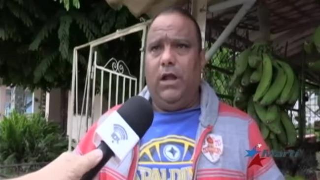 La Favor Reprimen Protesta Carretilleros En Habana A De IYg7vmb6yf