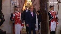 El rey de España firma su abdicación